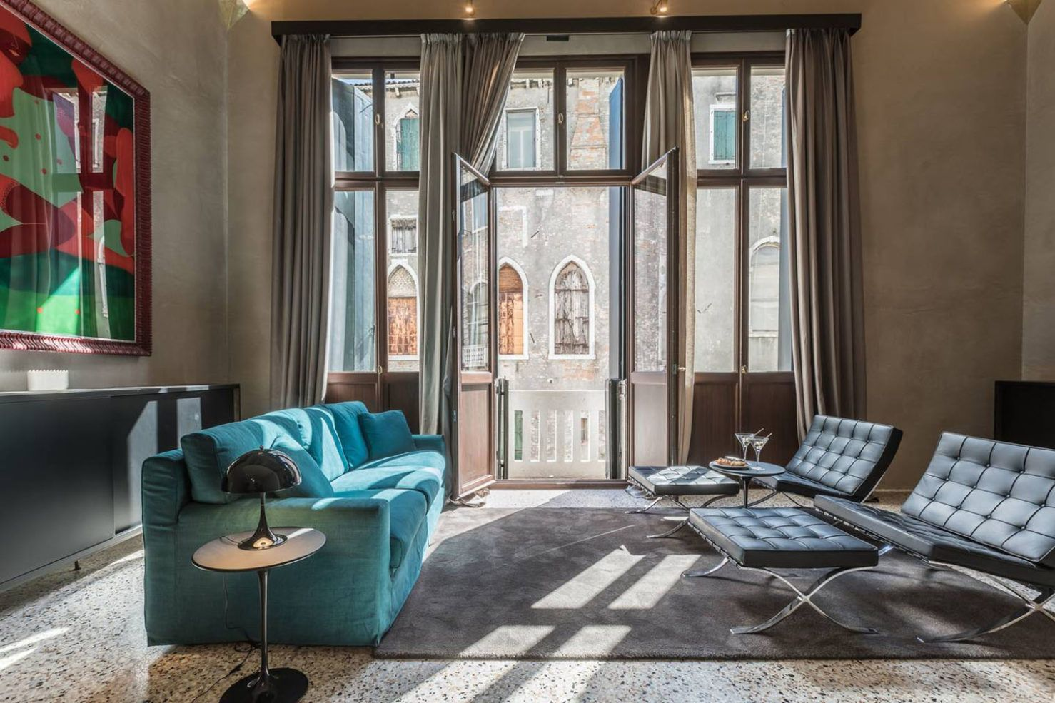 venice apartment decor