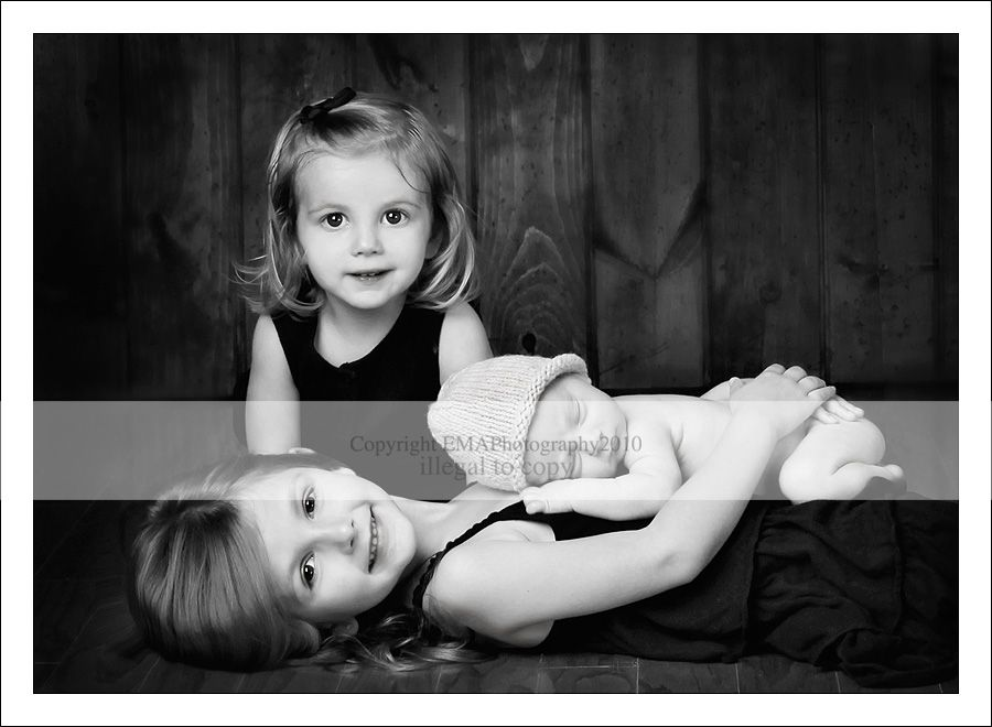 Sibling And Newborn Photography Poses