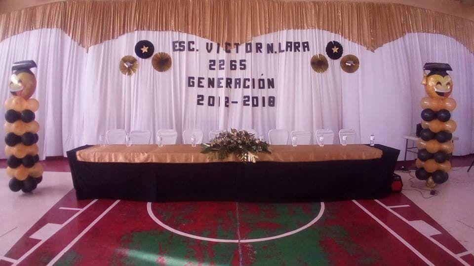 Decoración Para Clausuras O Graduación Mesa De Presidium