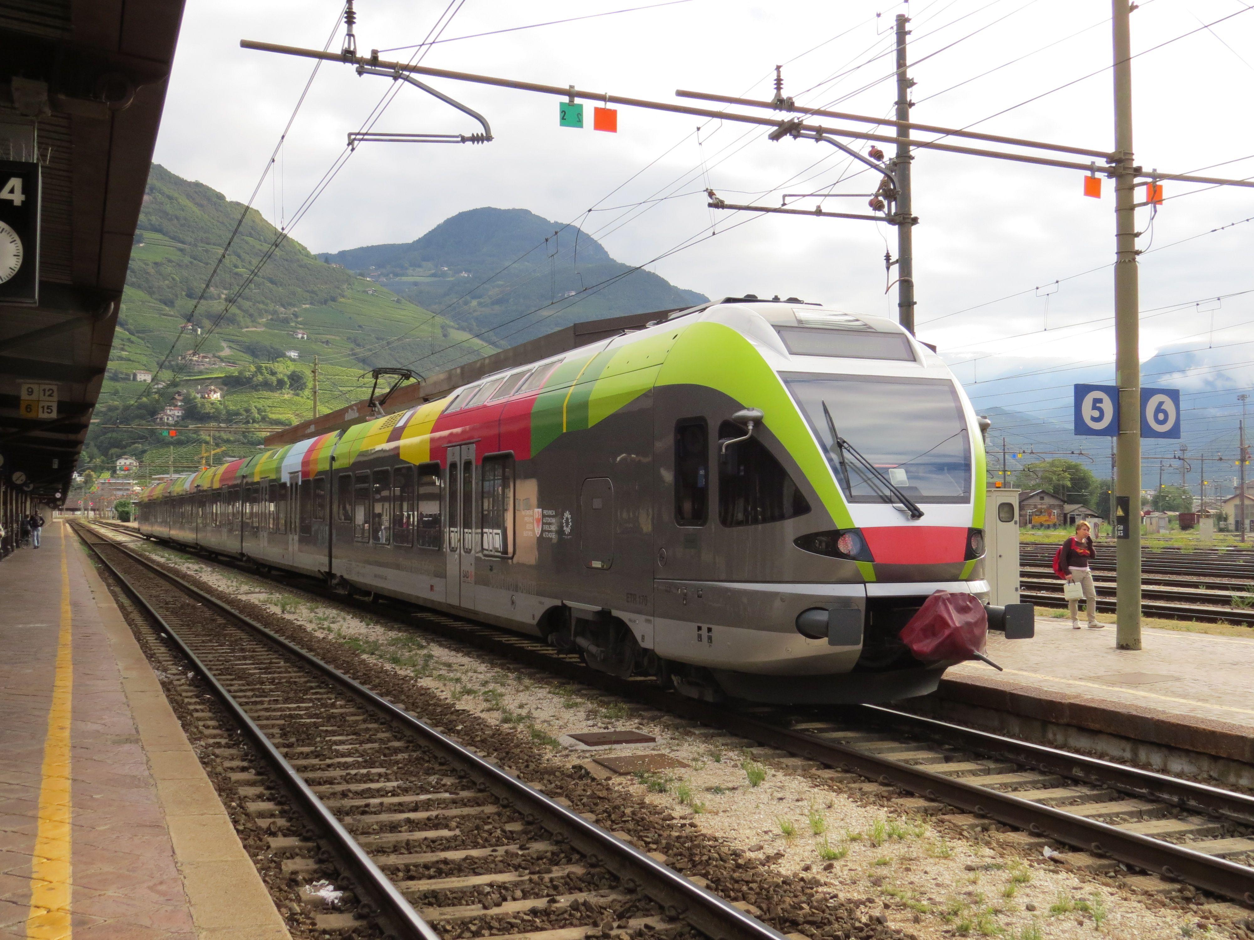 Képek mozdonysorozatok szerint: MÁV (FLIRT) - ezustcsillag.hu Prémium fotók