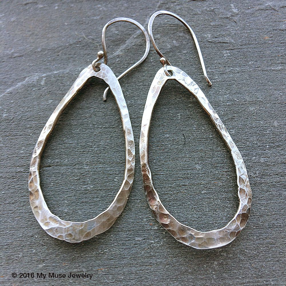 Ametista Dove Trovarla new handmade sterling silver hammered oval earrings