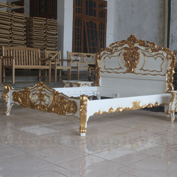 Exceptional Antique White And Gold Bedroom Furniture