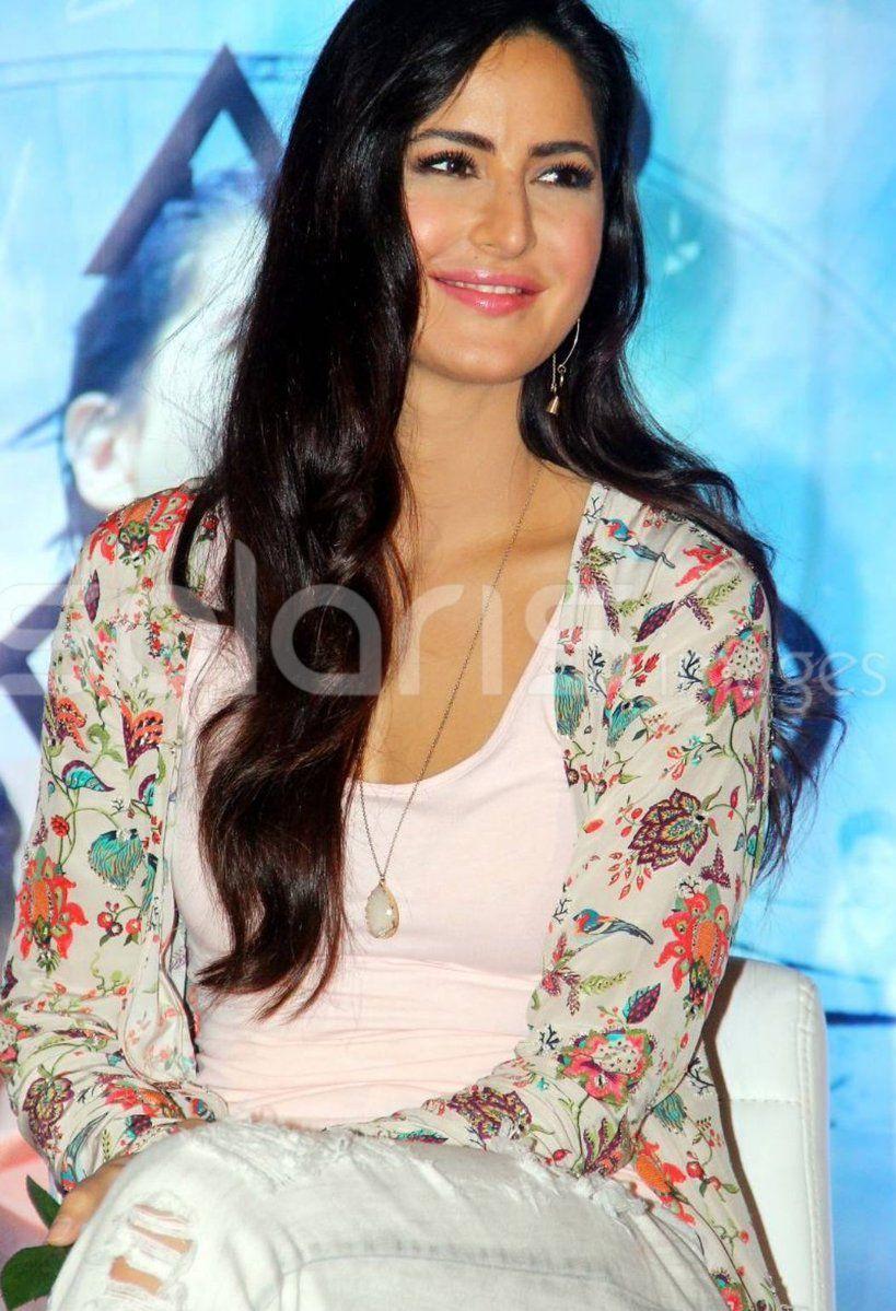 Katrina Kaif Online On Twitter Katrina Kaif Bollywood Celebrities Bollywood Actress
