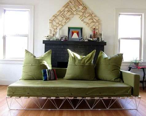 platform sofa--my dad totally used to make these for our house ...