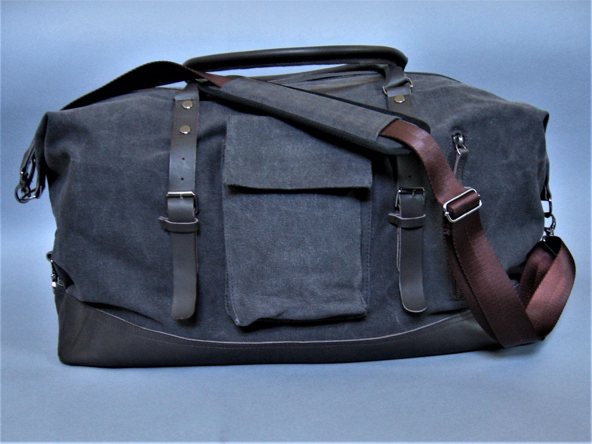 9e770c89ab  84.95 Duffle bag extra large perfect travel bag for men or women. Nylon  lining YKK
