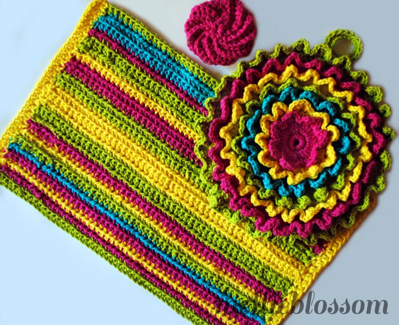 In Red Turquoise White Crochet Kitchen Set Free Towel Pattern