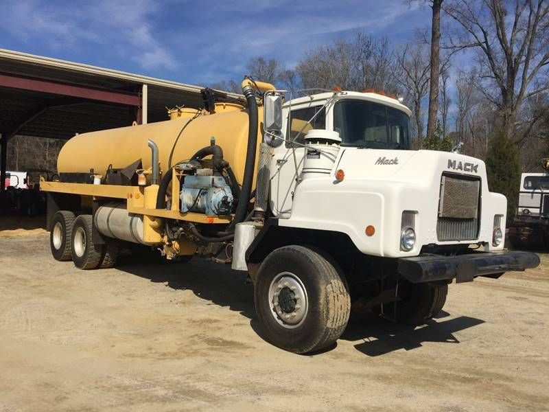 1998 Ford Louisville 9500 Tandem Axle Dump Truck Cat 300hp 17 Ox Body Trucks Trucks For Sale Mack Dump Truck