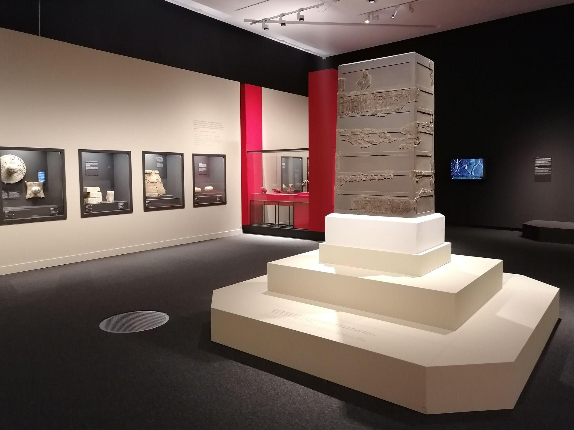 21 Feb 25 Oct Exposición Lujo De Los Asirios A Alejandro Magno En Caixaforum Zaragoza Exposiciones Zaragoza Alejandro Magno