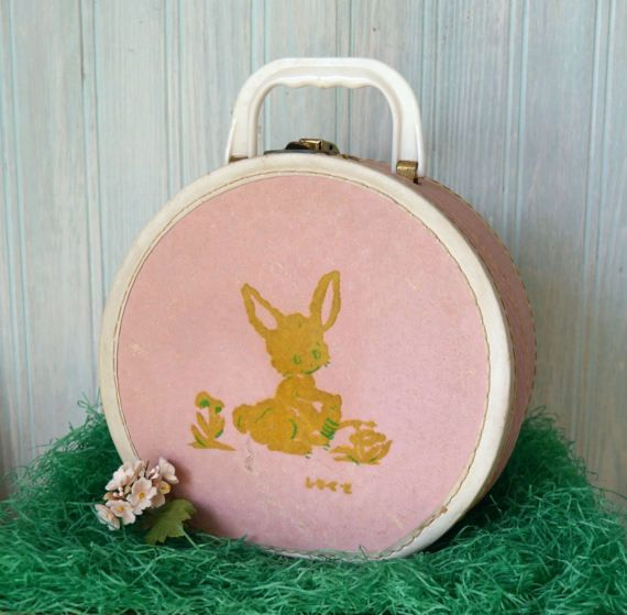 Vintage Children S Round Pink Vinyl Doll Travel Suitcase With Bunny Rabbit Vintage Easter Baskets Vinyl Dolls Vintage Children