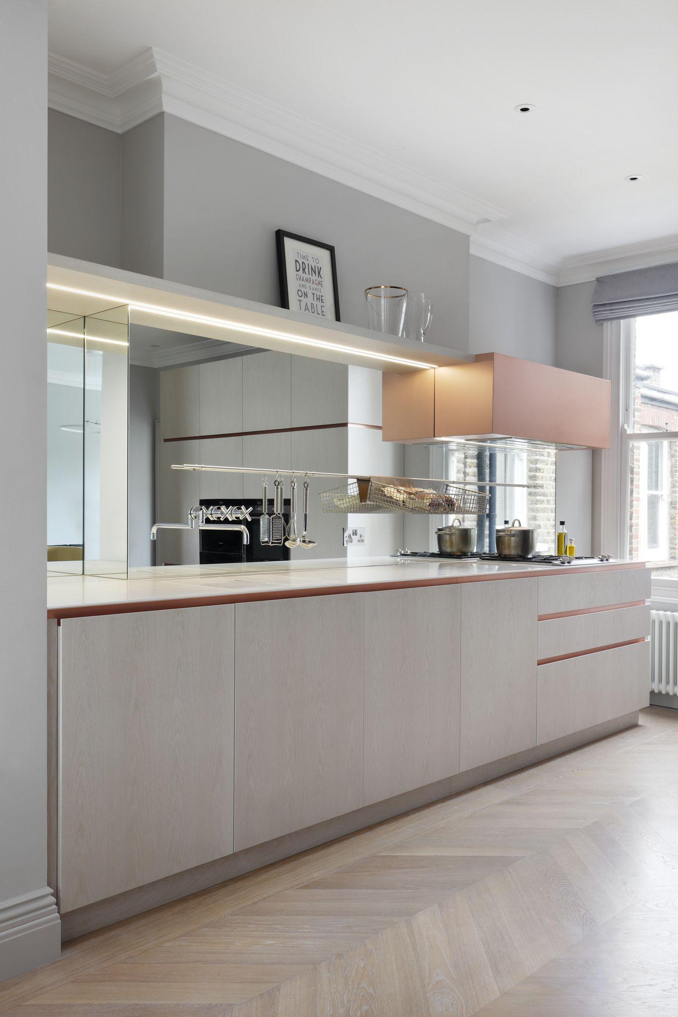 Weiß gelbe küchenideen elgin avenue by mwai architecture u interiors  küche rund ums haus