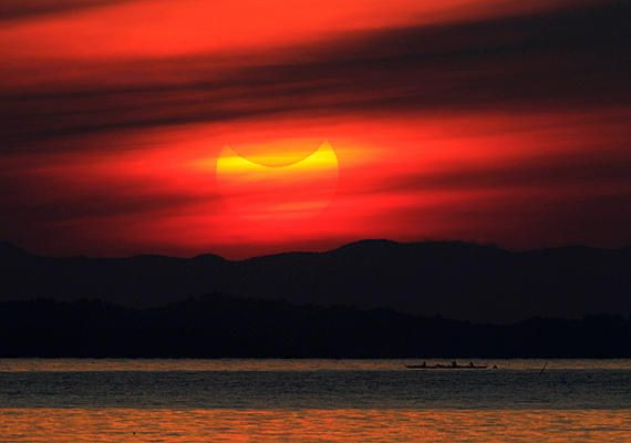 Photos Of The Day 05 21 Solar Eclipse Moon Photography Scenery
