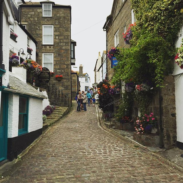 St Ives #stives #cornwall #kernow #cobbles #england #oldtown #cotswoldtales #photosofengland