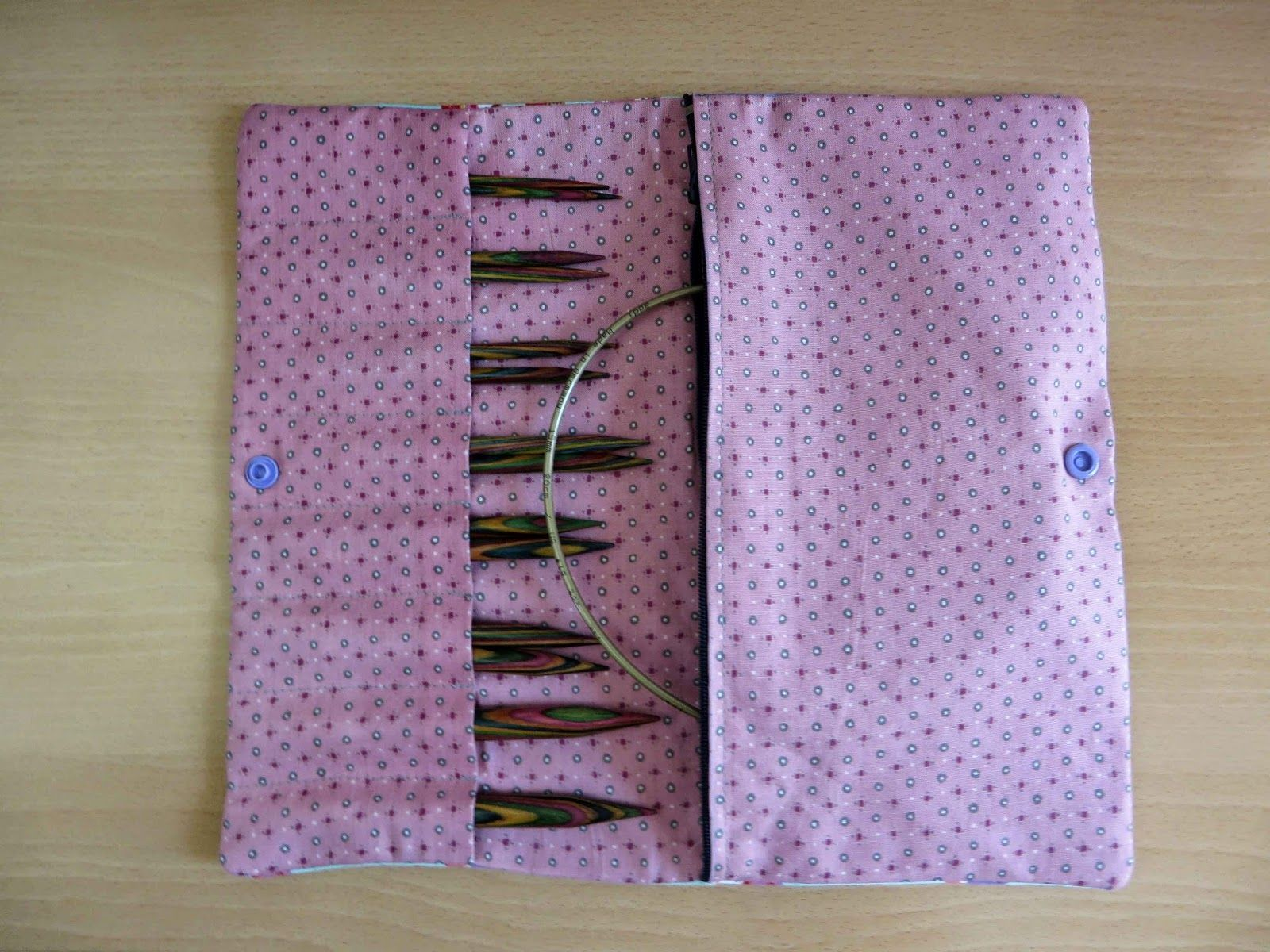 Deshilachado: Tutorial: guarda agujas circulares / Tutorial: circular needles case