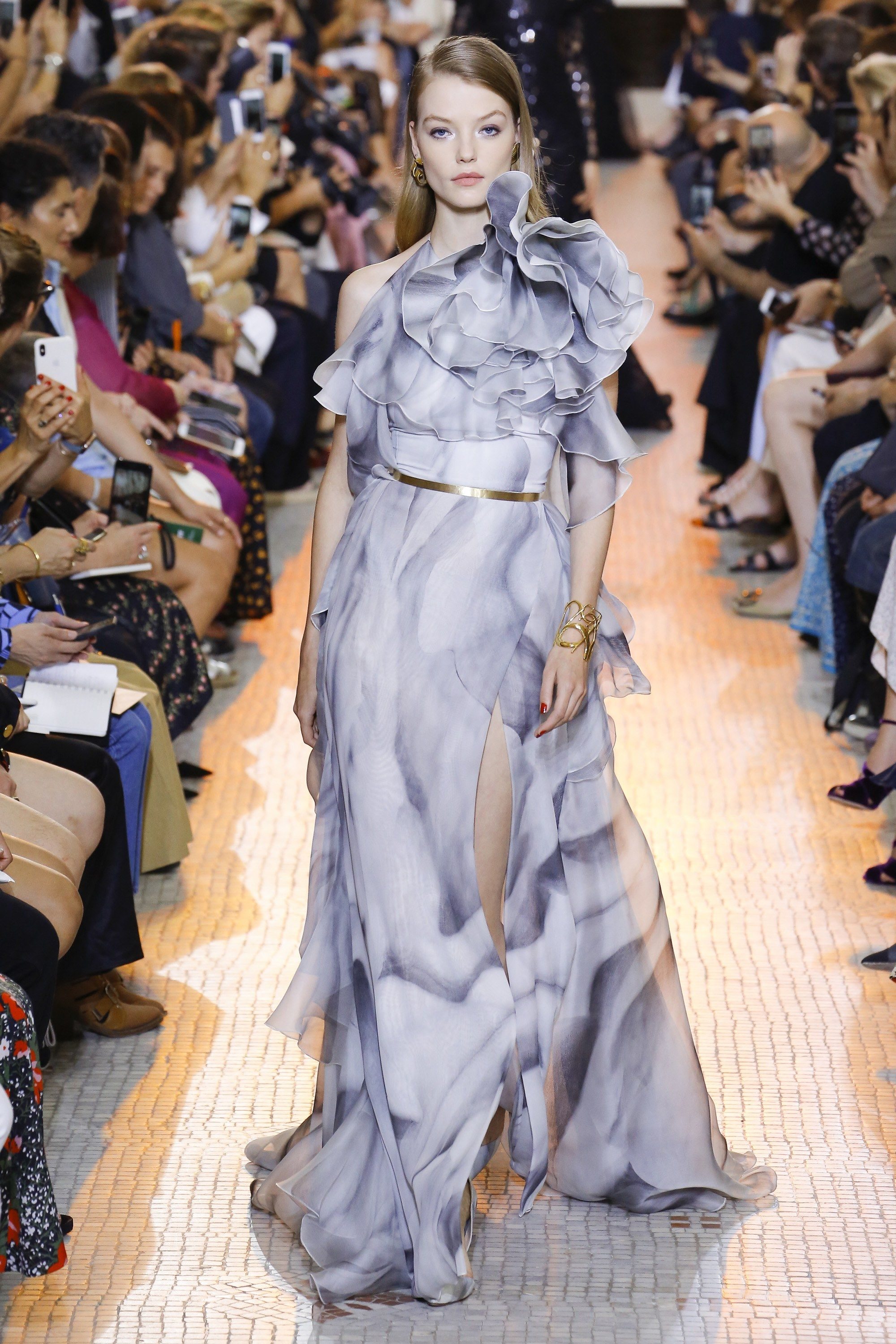 b3b64191689 Elie Saab Fall 2018 Couture Collection - Vogue