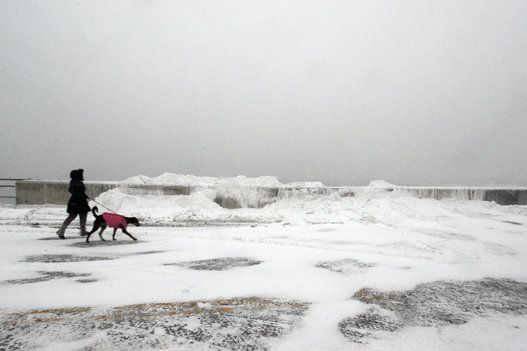 East Coast Snow Storm Shuts Down New York City, Snarls Travel Plans