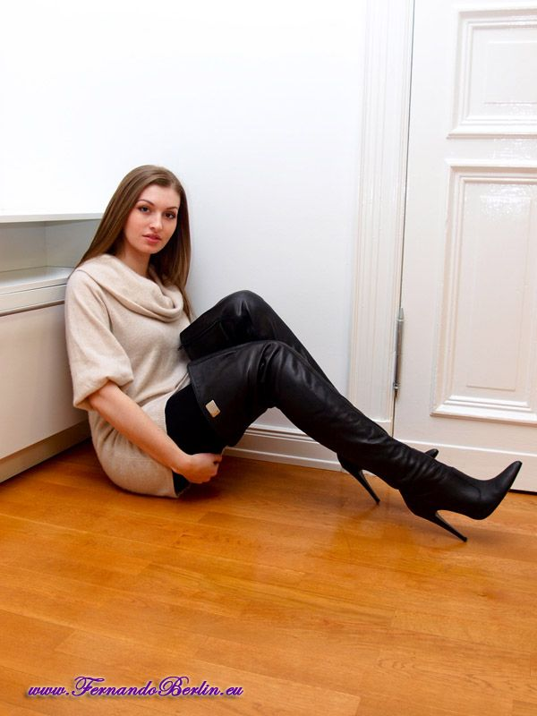 leather fasyen: Lady in Thigh High Leather Boots | Killer Boots ...