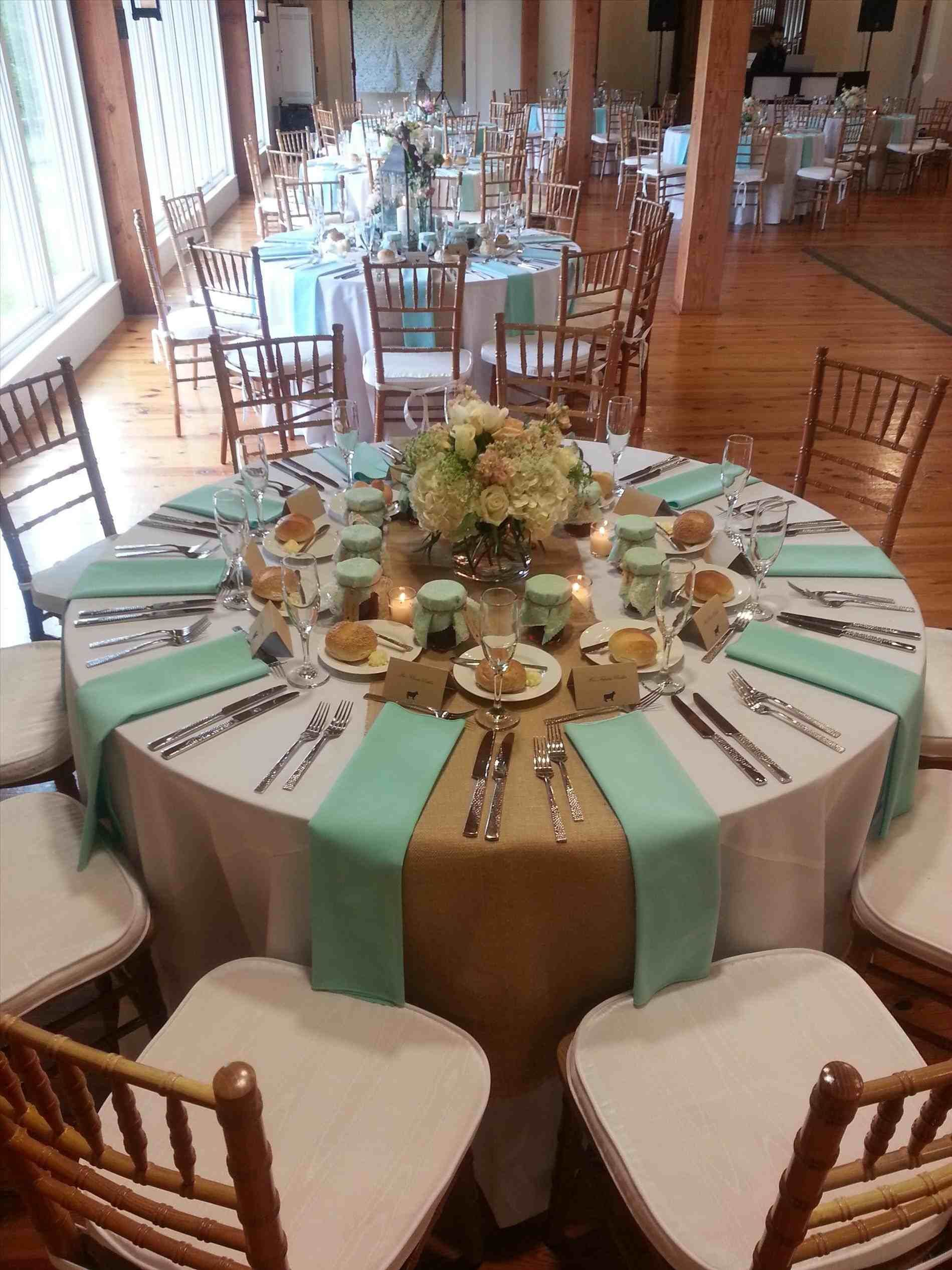 Like And Accent Color For The Napkins Round Table Decor Table Runners Wedding Wedding Candles Table