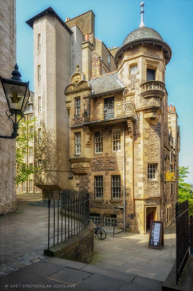 Lady Stairs House & The Writer's Museum, Edinburgh