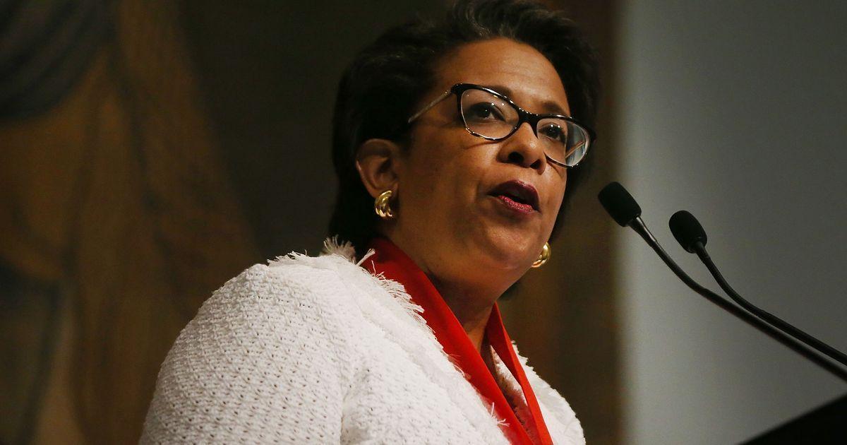 Senators investigate whether Loretta Lynch tried to stifle Clinton email probe - USA TODAY