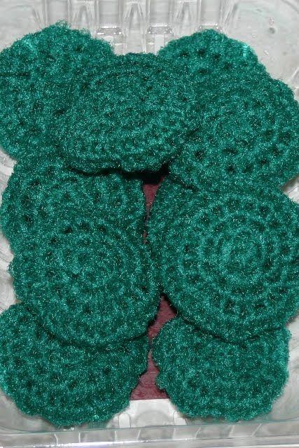 Crocheted Kitchen Scrubbies and a Gift Box   Reciclado, Letras y Botones