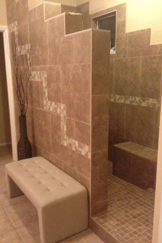 Tiled walk in shower with no door bathroom remodel for Master bathroom no door