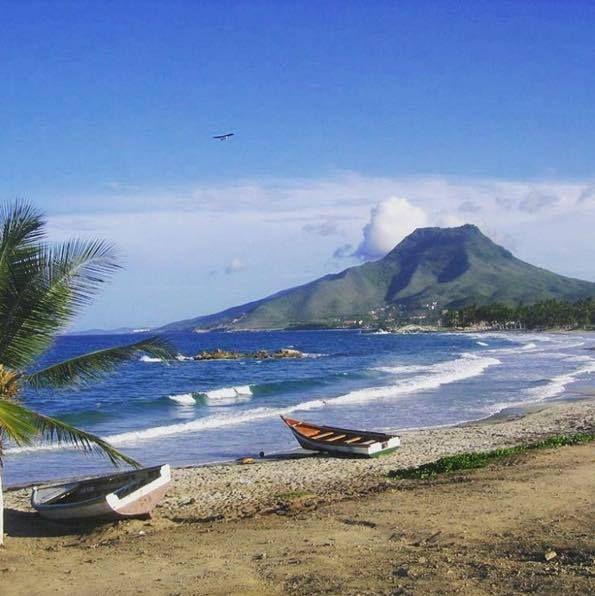Playa El Tirano Isla De Margarita Edo Nva Espatra Venezuela Desde Puerto Abajo Con Vista Al Guayamury 12565611 10 Natural Landmarks Favorite Places Playa