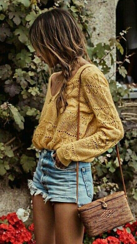 44708be09b14 Yellow detail long sleeve loose with denim shorts