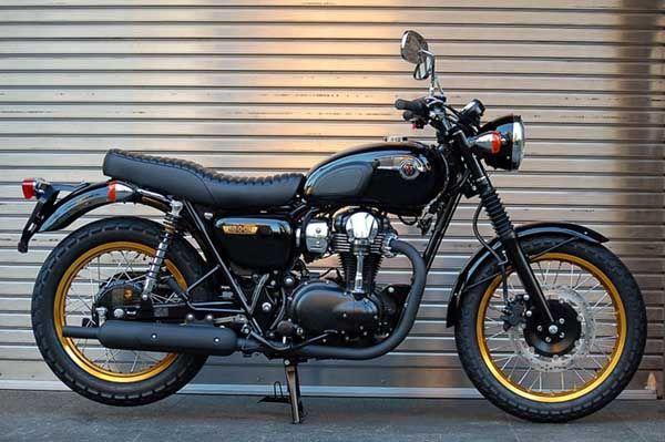 Motographite KAWASAKI W800 SPECIAL EDITION BLACK AND GOLD