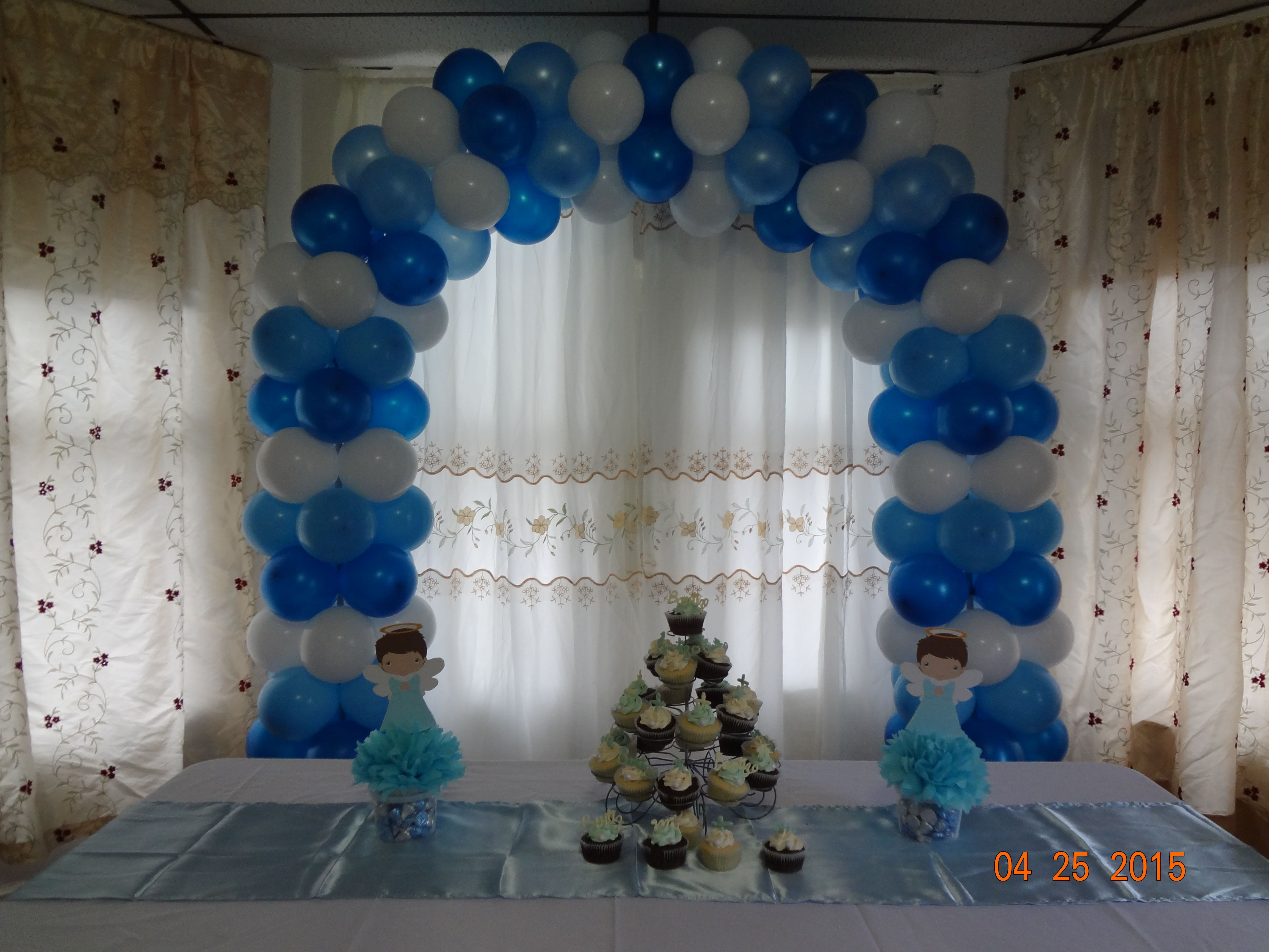 Arco para bautizo globos de 9 inflados a 7 5 tambi n for Decoracion para bautizo