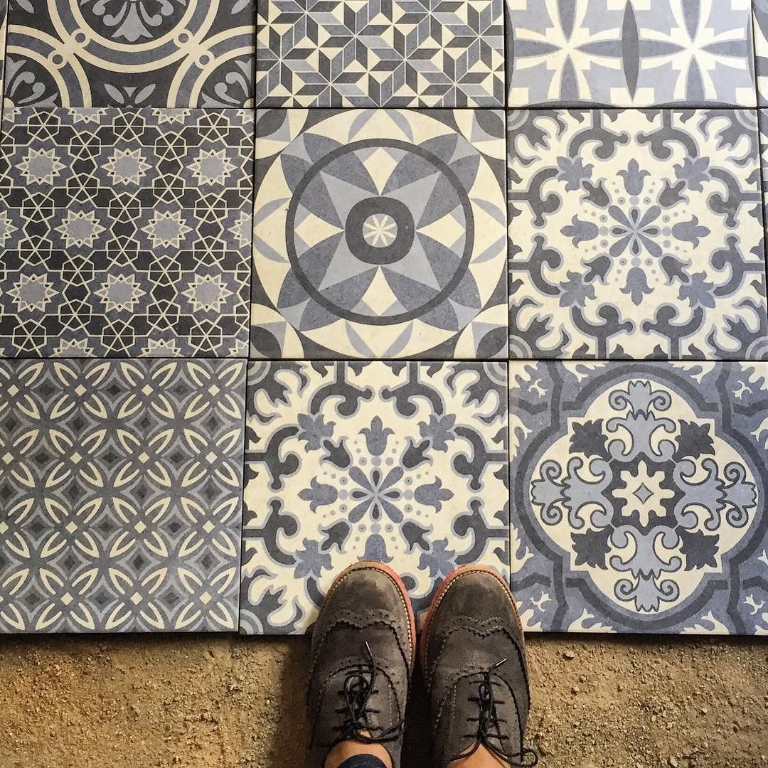Love what I do  #fromwhereistand #ihaveathingforfloors #site #tiles #interiordesign #lovewhatido #blue #igdaily #ihavethisthingwithtiles #tileaddiction #feetmeetfloors #parisianfloors #aadesigns_ by kits01