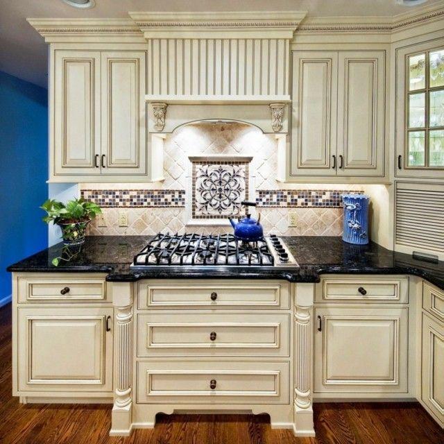 Vintage: estilo retro clásico en la cocina | Granito negro, Granito ...