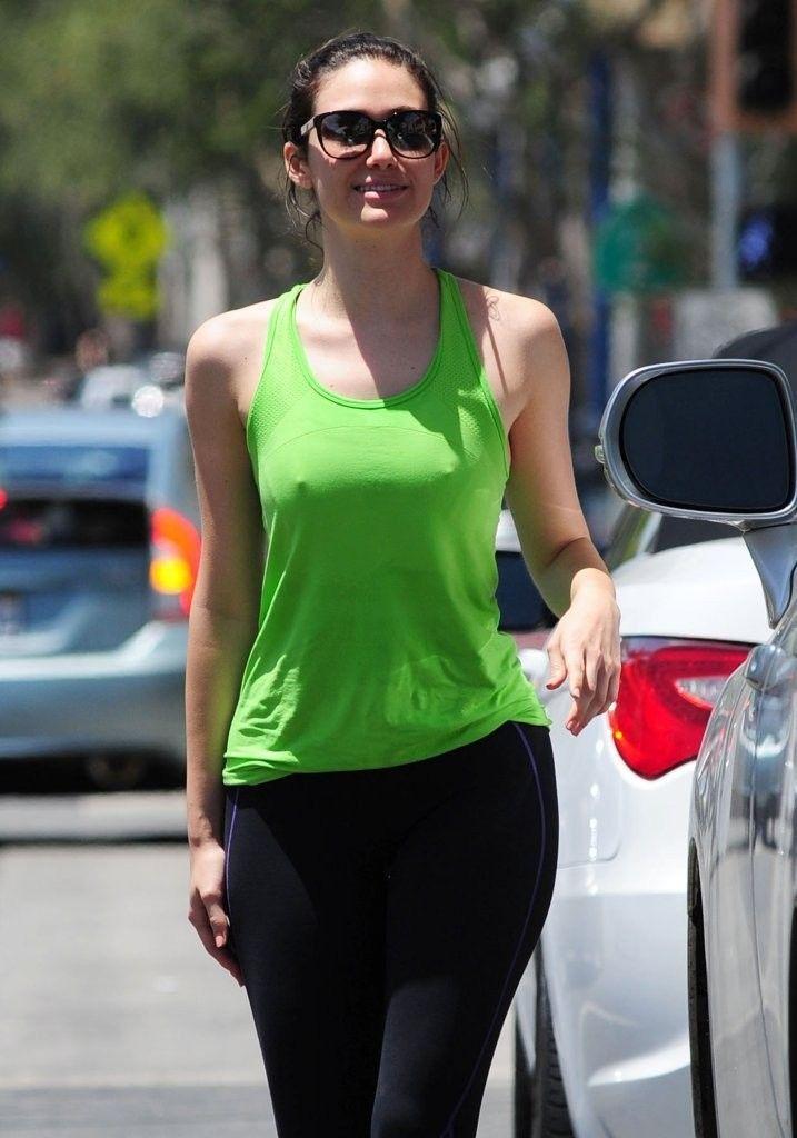 Emmy Rossum - pokies - http://www.icelev.com/2014
