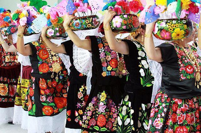 #15deseptiembre #vivamexico #mexico #orgullomexicano #oaxaca #cultura #art #tradicion #mexicanfolkart #culture #handmade #mexicandress