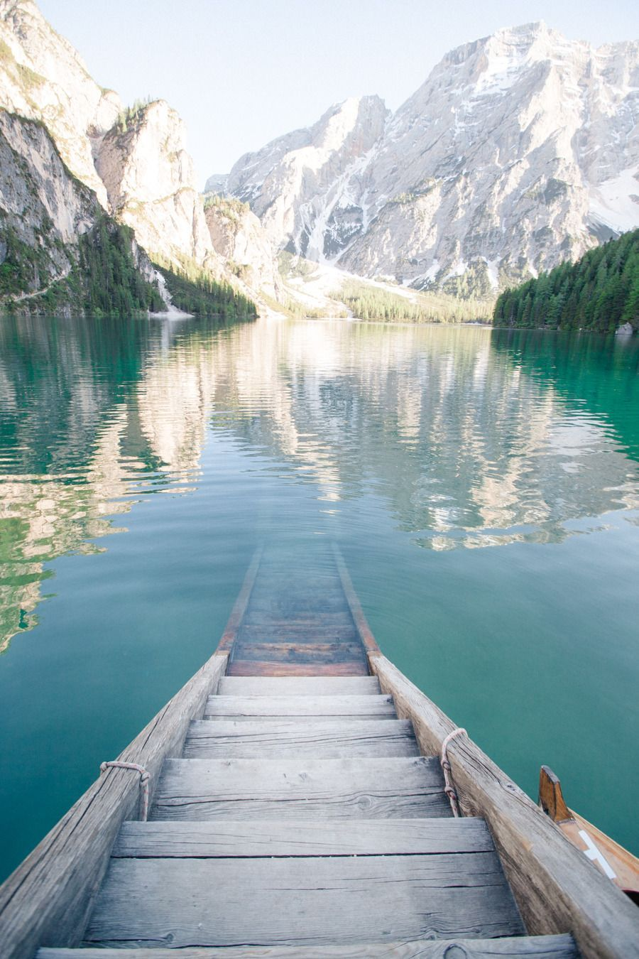 Enchanting Italian Lake Engagement #prettyplaces Die Treppe, die unter Wasser f…