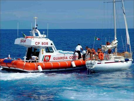 Guardia costiera soccorre due natanti a Vibo