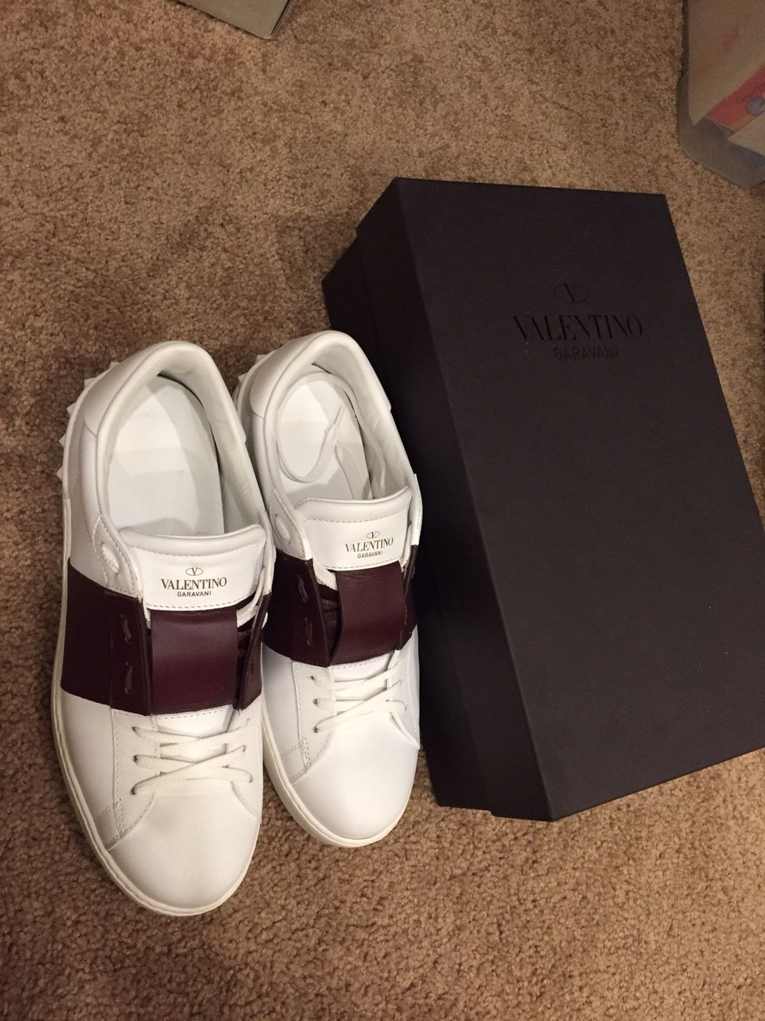909cd790418 Valentino Valentino Low Top Sneaker Size 9  360 - Grailed