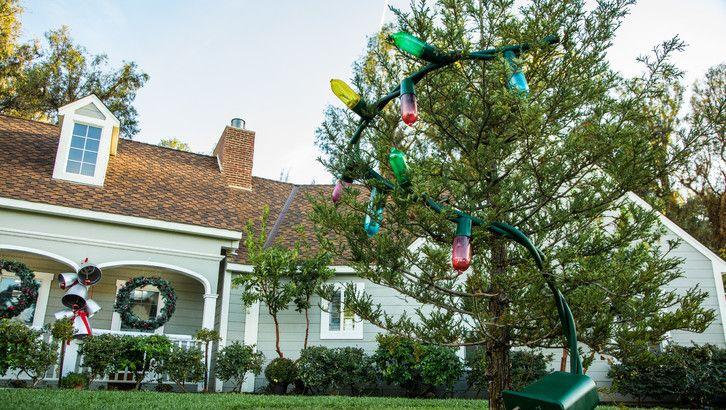 Paige Hemmis' DIY Giant Christmas Lights