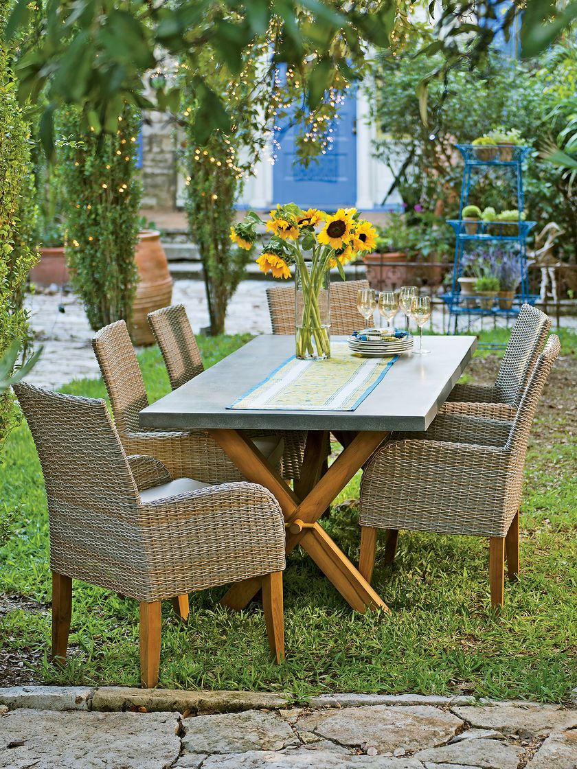 Ravenna Round Patio Table And Chair Set Cover: Restaurants With Outdoor Seating Latham Ny