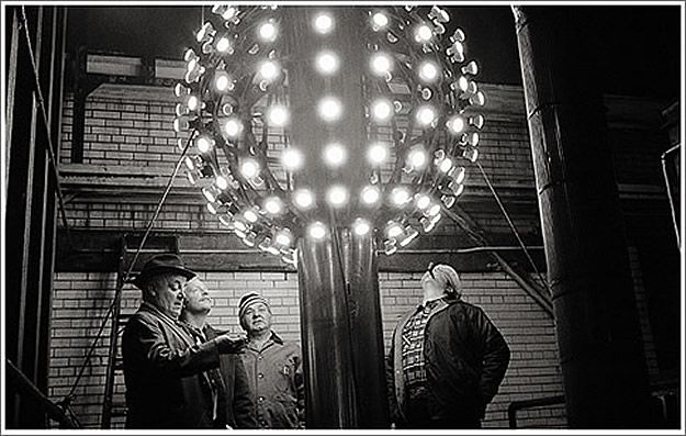 History Of Ball Drop In Times Square New Years Ball New Years Eve Ball New Year S Eve Times Square