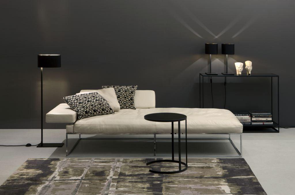Sempre Sofa, Mono Leuchten, Cameo Tische by Christine Kröncke