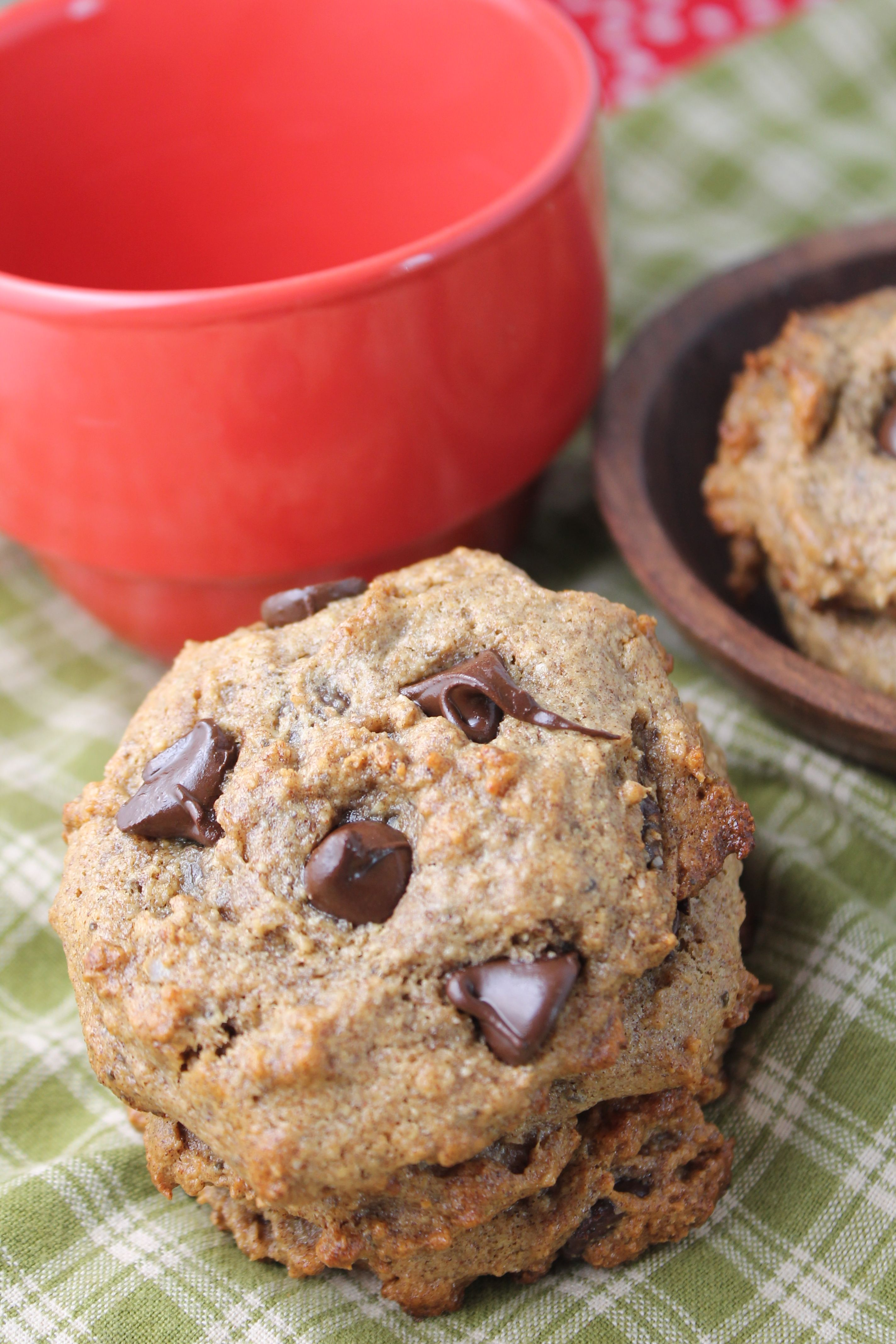 Flourless, Date Sweetened Chocolate Chip Cookies Recipe