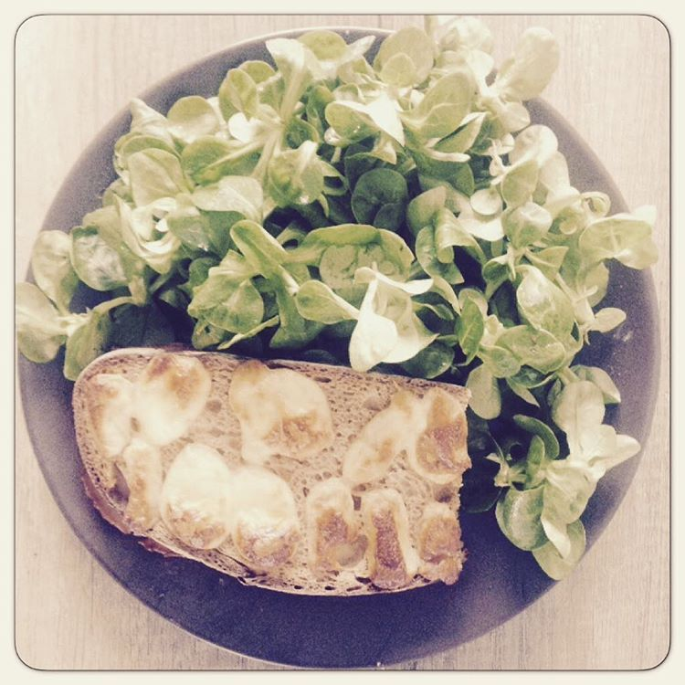 «My WE fav' lunch  #croq #poilane #mozza #mozzarella #freshcheese #salad #health #freshfood #yummy  #fit #fitgirl #paris #parisienne #detente #rest»