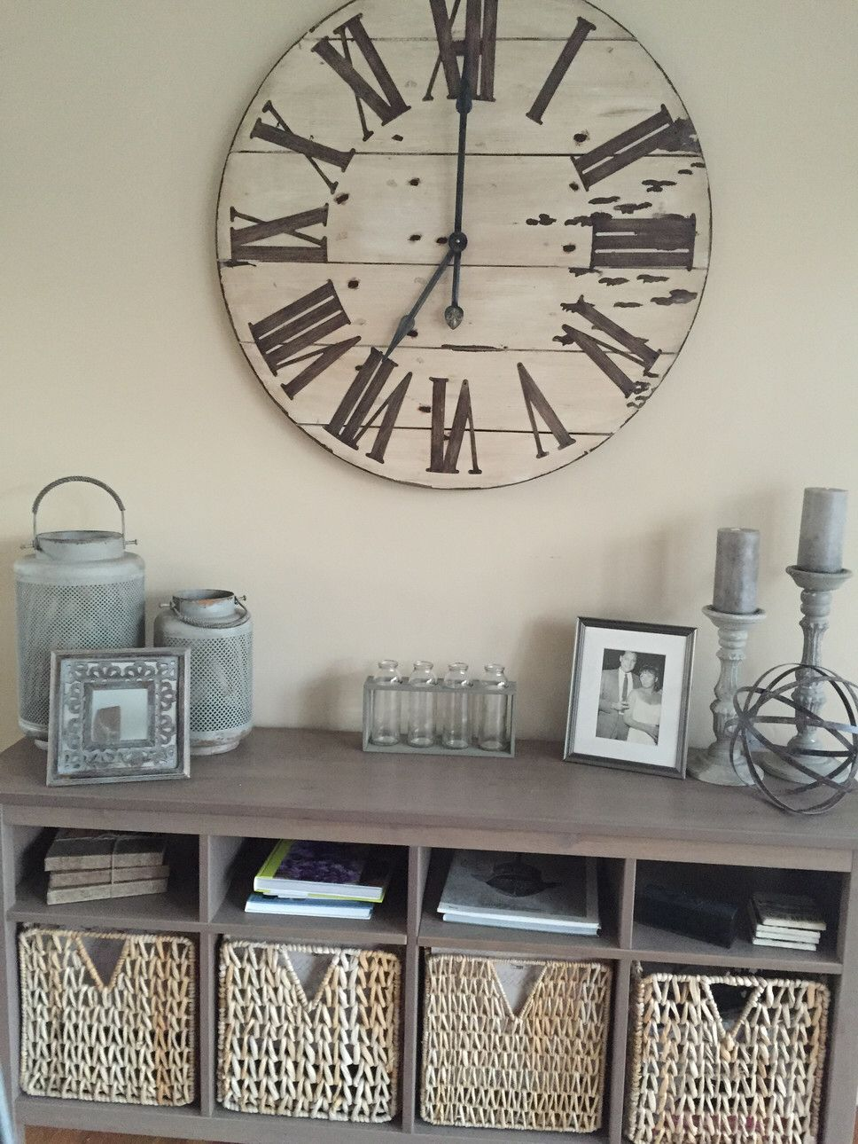 How To Decorate Wall With Shelf Clock Vtwctr