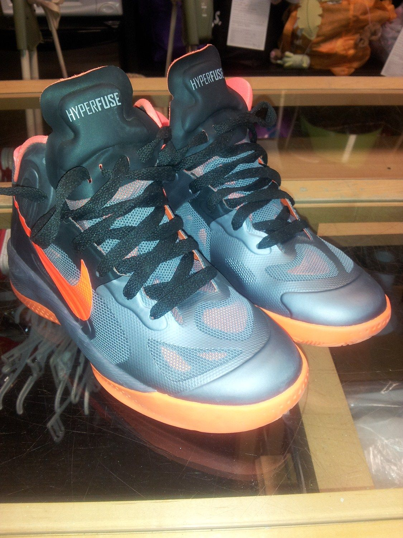Hyperfuse Nike Basketball Shoes Size 4 YMCA basketball