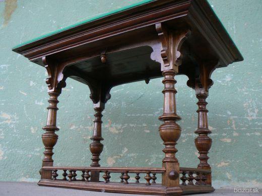 Starožitný stôl
