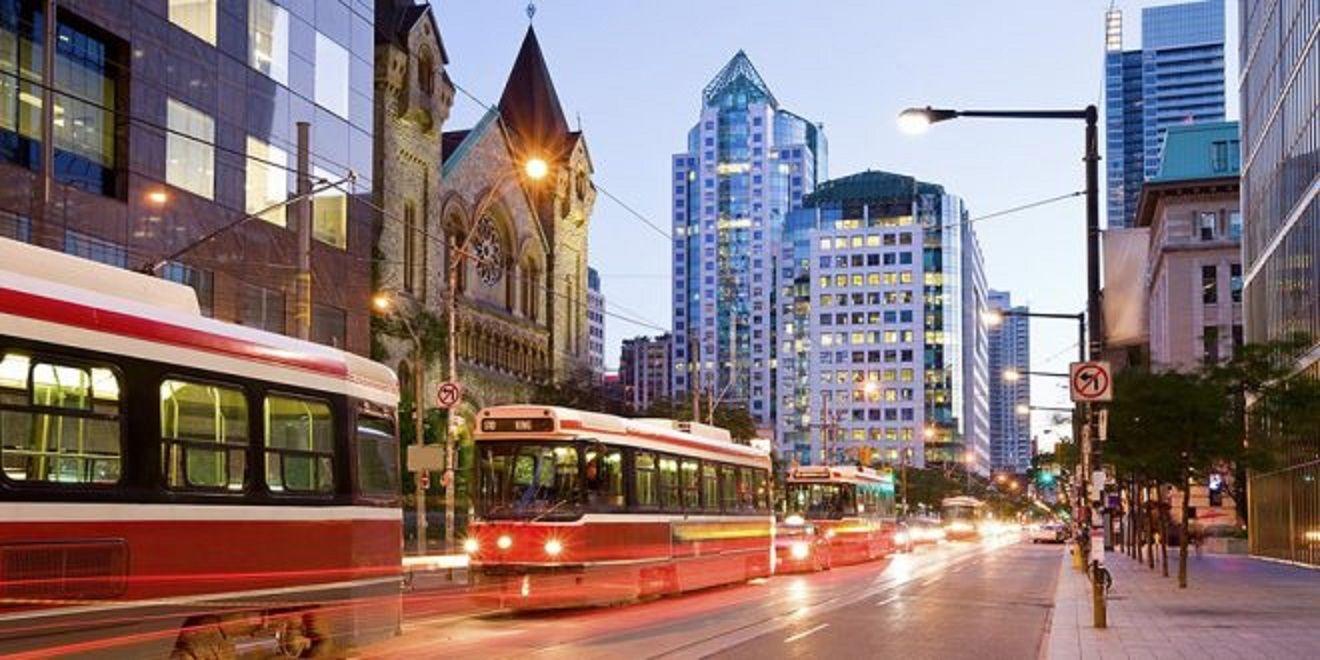 أفضل مدن كندا للمعيشة بالنسبة للمهاجرين واللاجئين Canada Travel Toronto Canada National Geographic Travel