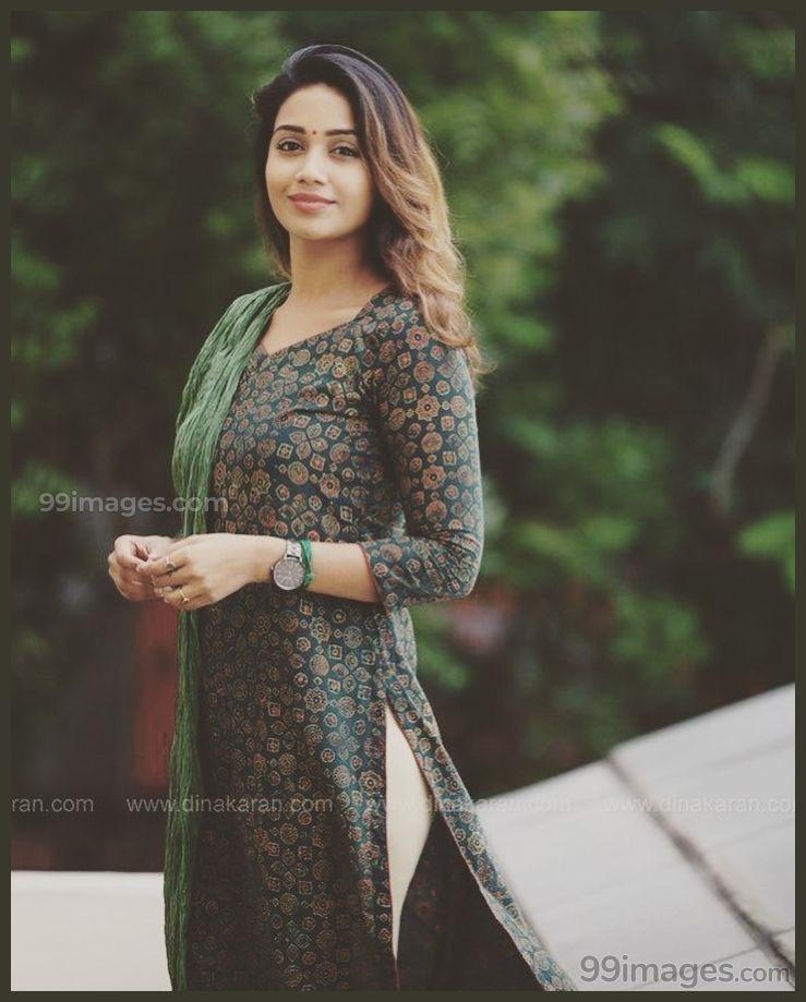 Nivetha Pethuraj Beautiful Hd Photoshoot Stills Mobile