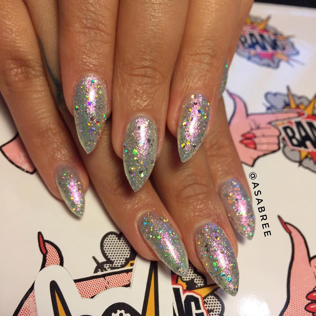 @asabree on @goodnightgoldie  blinding sparkle #nailchurch #fingerbangme #fingerbangportland #fingerbang #nailswag