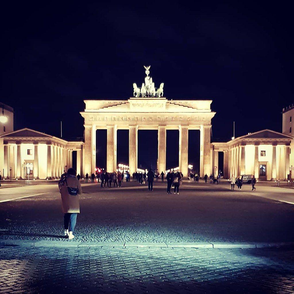 Brandenburg Gate Berlin Tours Wallpaper By Birchy S Berlin Tours