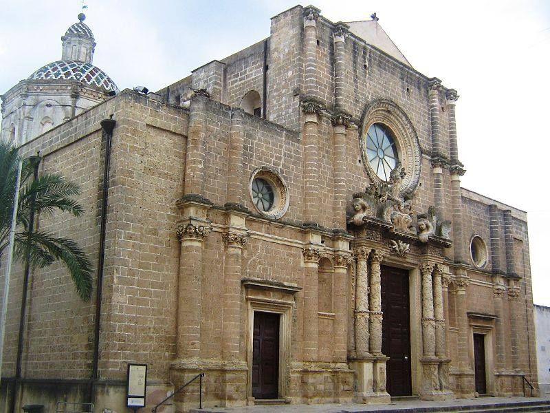 La chiesa di santa maria delle grazie a campi salentina provincia di lecce una chiesa - Elementi architettonici di una chiesa ...